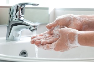 Hand hygiene can break the MRSA infection chain of transmission